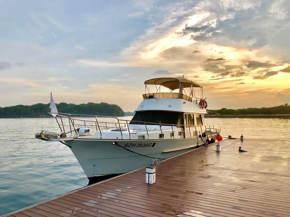 Singapore Southern Island Yacht Guided Tour with Cable Car (Adult)